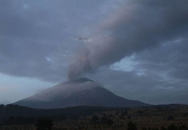 El Semáforo de Alerta Volcánica se mantiene en amarillo fase 3. (Notimex)