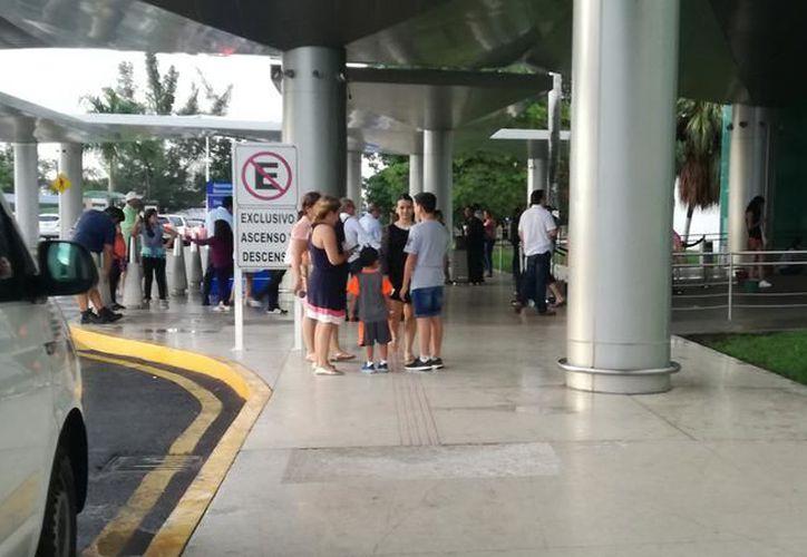 El año pasado arribaron al aeropuerto meridano 2 millones de personas. (Foto: Milenio Novedades)