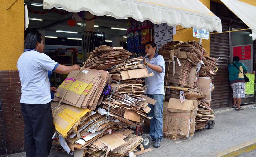 Muchas empresas reciclan sus propios desechos. (Milenio Novedades)