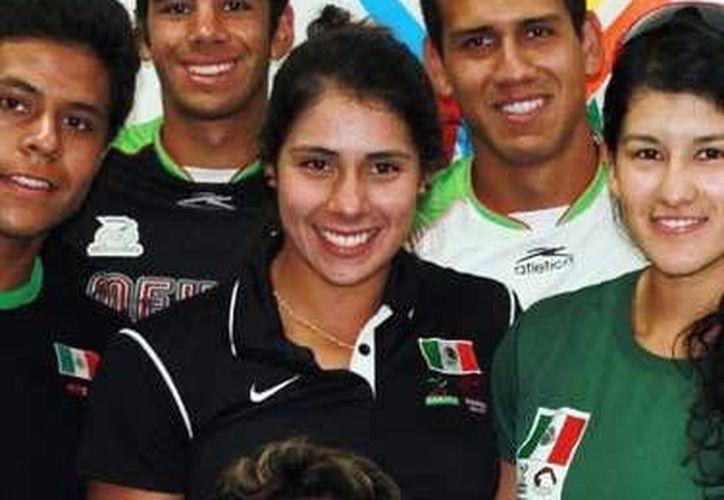 Parte del equipo de seleccionados de canotaje que entrenará en Progreso. (Milenio Novedades)
