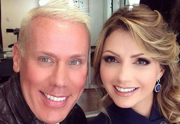 Alfonso Waithsman ha maquillado a Angélica Rivera en varias ocasiones, entre ellas los informes presidenciales. (Facebook/Alfonso Waithsman)