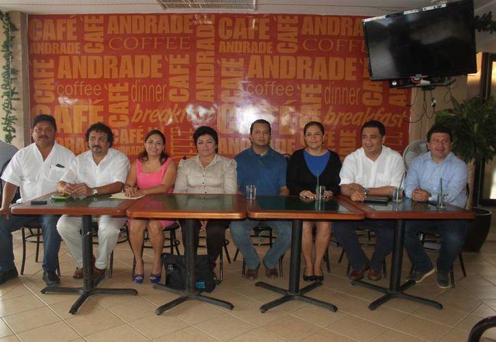 Panistas  ofrecieron una conferencia de prensa. (Daniel Pacheco/SIPSE)