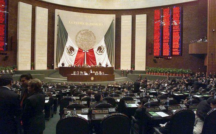Actualmente, los diputados federales analizan el informe del Presidente. Hasta finales de noviembre se sabrá el presupuesto que le corresponderá a Yucatán. (Milenio Novedades)