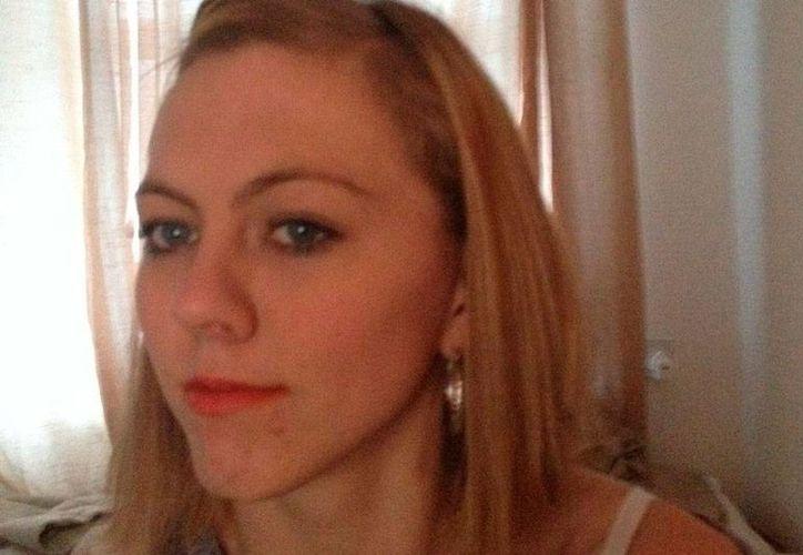 Kayleigh Marie Watts se reencontró con su madre biológica, Sarah Mowbray, quien, en 1995,  dio a Kayleigh en adopción porque no podía sostenerla económicamente. (Facebook)