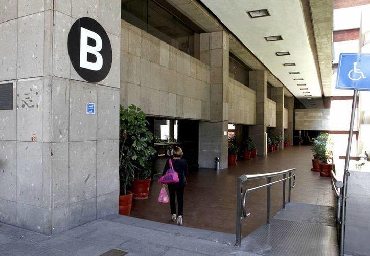 Así lucen los pasillos del Palacio Legislativo de San Lázaro, en la ciudad de México. El próximo sábado 24 de agosto volverá el bullicio con la instalación de la LXIII Legislatura del Congreso de la Unión. (Notimex)