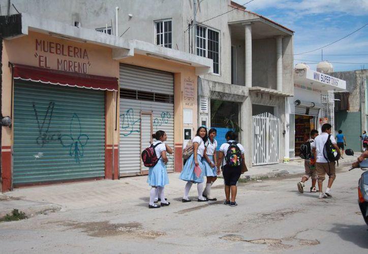 En la zona urbana del noveno municipio han cerrado en las últimas semanas alrededor de 12 negocios de distintos giros. (Rossy López/SIPSE)