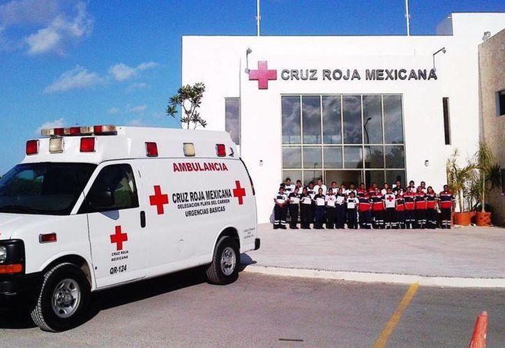 Durante la última semana, después de llamar a la ambulancia de la Cruz Roja para dar atención a emergencias urbanas, les han cancelado en 4 atenciones. (Daniel Pacheco/SIPSE)