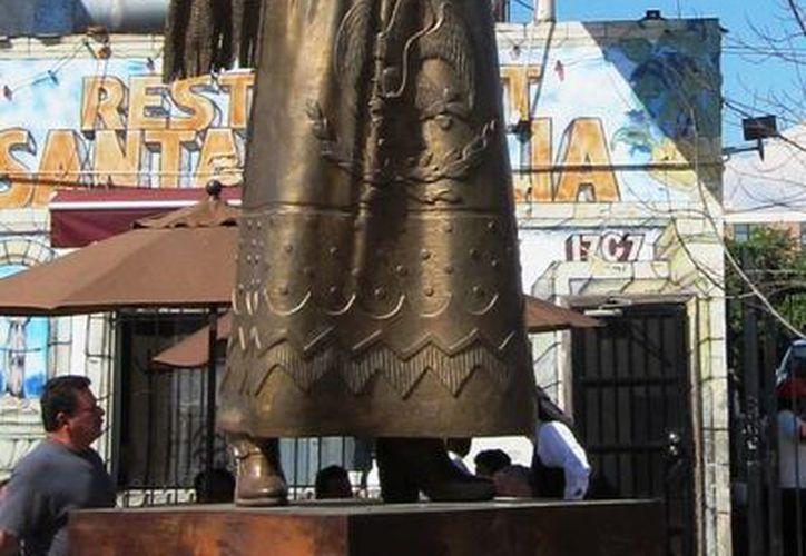 Hace unos años fue inaugurada en Los Ángeles, California, una estatua en honor a la cantante Lucha Reyes. (Agencias)