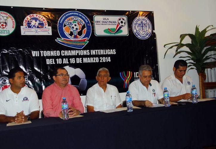 Ayer se hizo la presentación de la VII edición de la Champions Interligas. (Juan Albornoz/SIPSE)