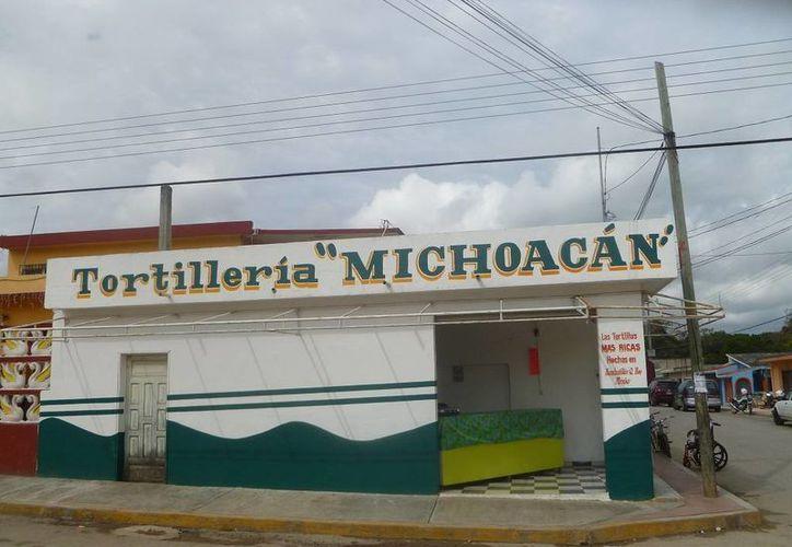 Pretenden activar la tortillería como una tienda de abarrotes. (Raúl Balam/SIPSE)