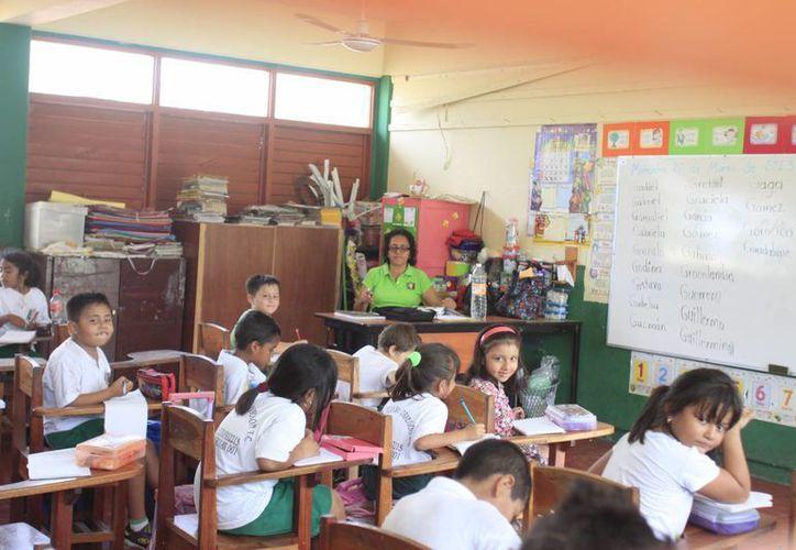 Este mes los 14 mil docentes que hay en la entidad recibirán un bono por el Día del Maestro.  (Archivo/SIPSE)