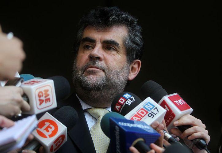 El subsecretario del Interior chileno, Rodrigo Ubilla, ordenó a suspensión de los funcionarios involucrados. (vientopatagon.cl)