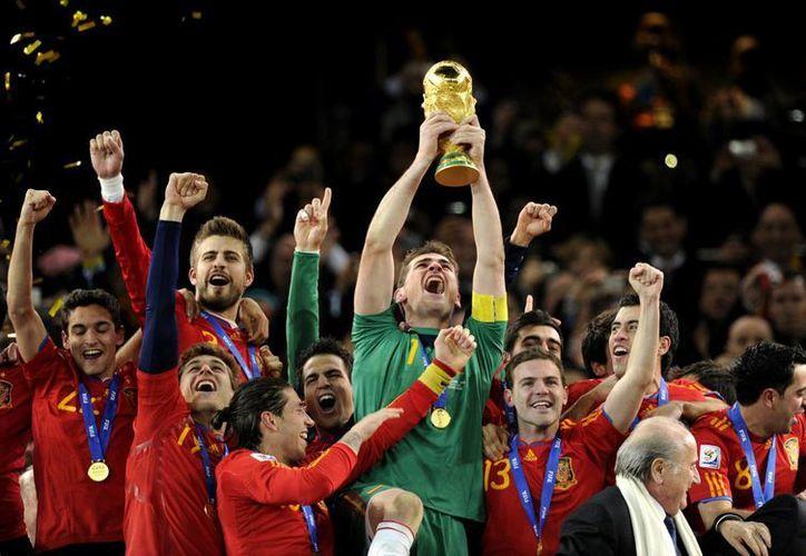 España se consagró Campeón del Mundial de Sudáfrica 2010, el primer campeonato de Futbol llevado a cabo en territorio africano.(Archivo/AP)