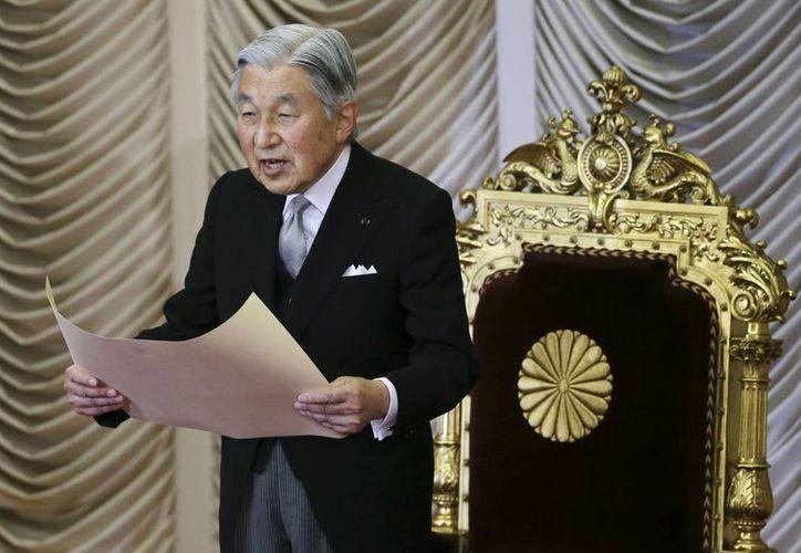 El emperador de Japón cumple una funcion meramente ceremonial en su país y goza de gran popularidad entre sus súbditos. (AP)