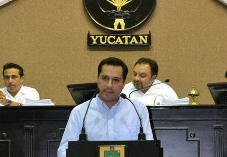 El diputado Mauricio Vila Dosal, vocal de la Comisión de Presupuesto del Congreso del Estado. (Cortesía)