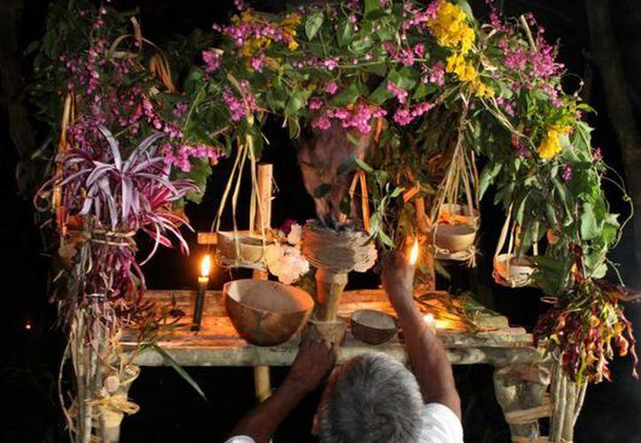 Tratan de conservar las tradiciones mayas en las comunidades. (Cortesía/SIPSE)