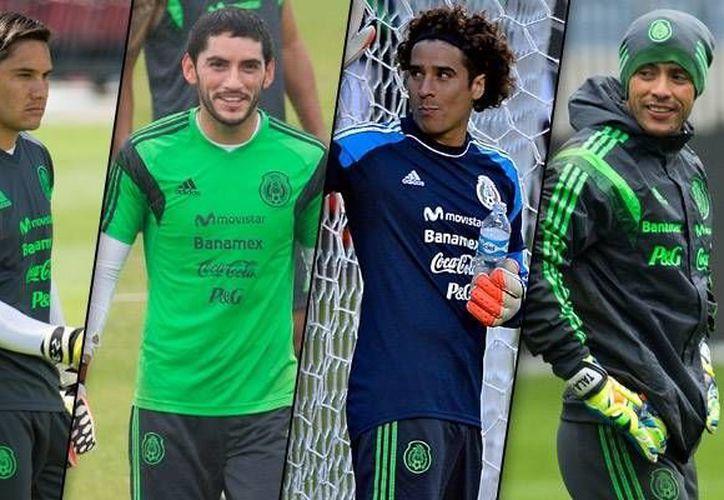 Los porteros mexicanos Moisés Muñoz (i) y Alfredo Talavera (d) sí fueron convocados para enfrentar a EU en partido por el pase a la Copa Confederaciones, pero ni Jesús Corona ni Memo Ochoa (c) fueron considerados. (laseleccion.com.mx)