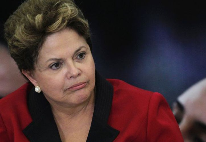 Dilma Rouseff ordenó investigar a todos los funcionarios involucrados en casos de corrupción. (Reuters)