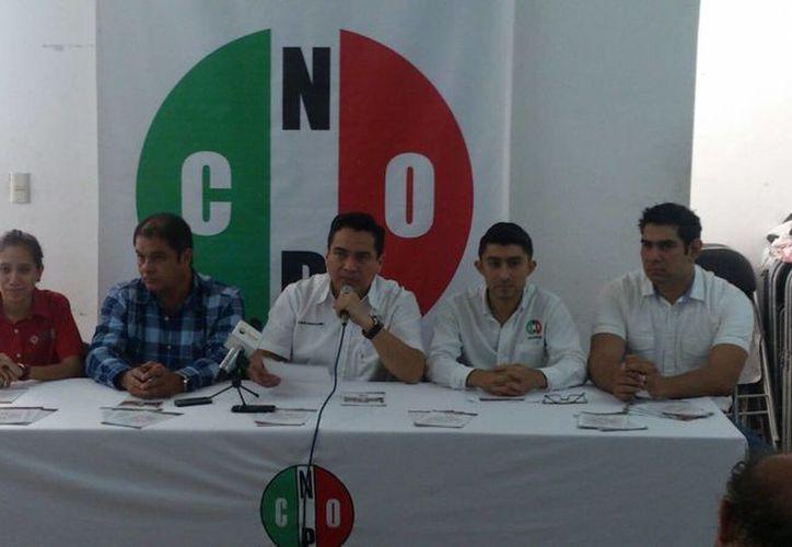 Presentación del catálogo de la  Confederación Nacional de Organizaciones Populares, que incluye 26 programas gratuitos. (José Acosta/SIPSE)