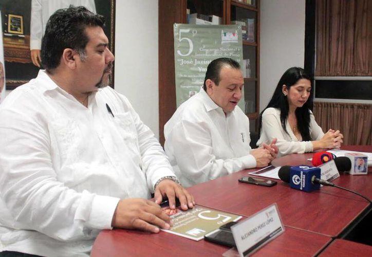 Roger Metri, titular de Sedeculta, dio a conocer los detalles de la quinta edición del concurso que reúne a pianistas latinoamericanos y nacionales.(Milenio Novedades)
