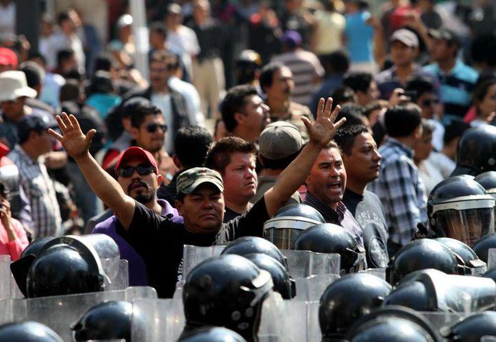 Por marchas, plantones y el cerco al Senado, la Canacope Servytur estima pérdidas de más de 500 millones de pesos. (Notimex)