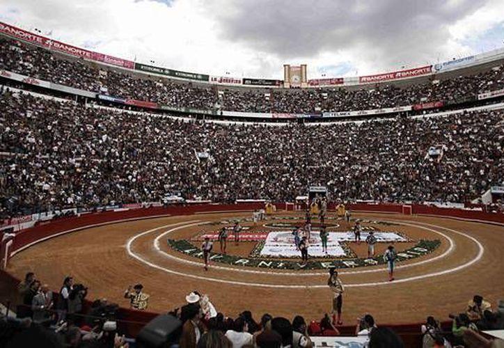 La Plaza México fue inaugurada el 5 de febrero de 1946 con un cartel formado por Luis Castro, Luis Procuna y 'Manolete'. (Notimex)