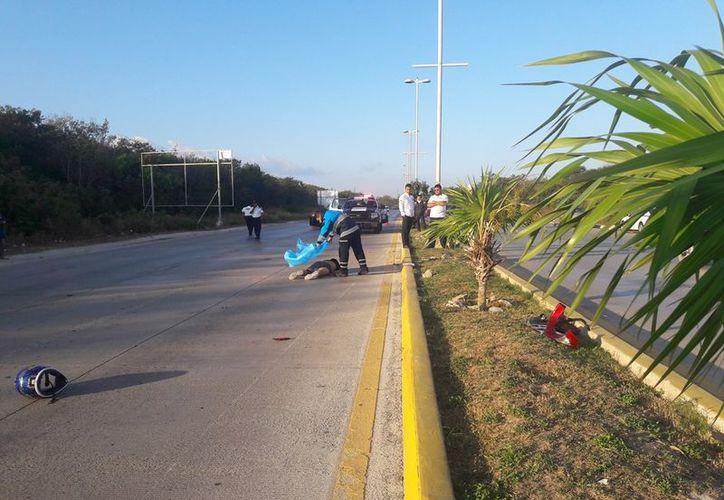 El extranjero falleció frente a los ojos de algunos conductores particulares y taxistas. (Redacción/SIPSE).