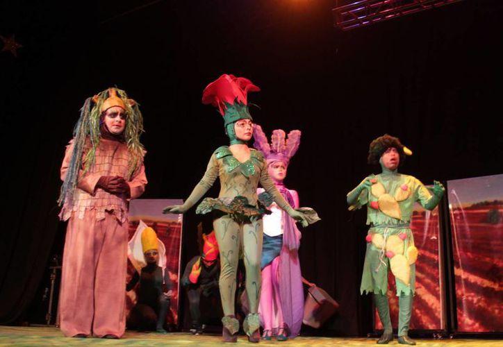 Sin duda el personaje antagónico La Hiedra Venenosa le dio a la obra el realce debido. (Jorge Carrillo/SIPSE)