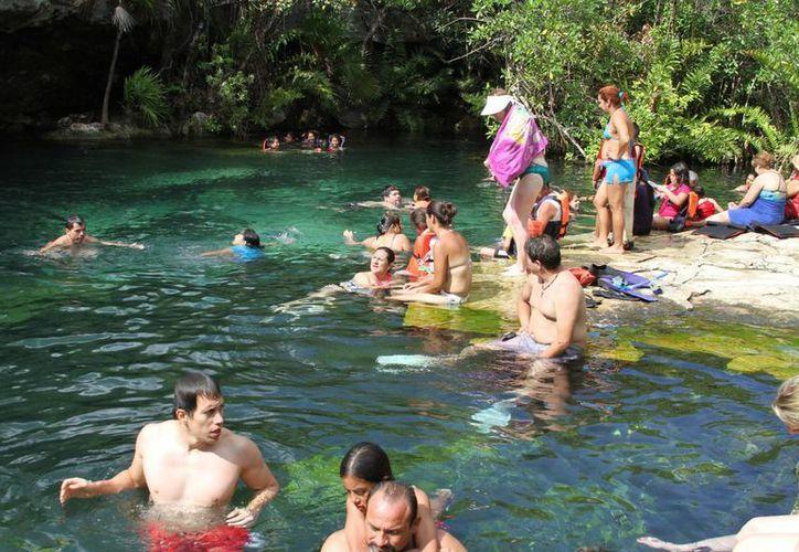 El reglamento de cenotes del municipio de Solidaridad sigue sin concretarse. (Adrián Barreto/SIPSE)