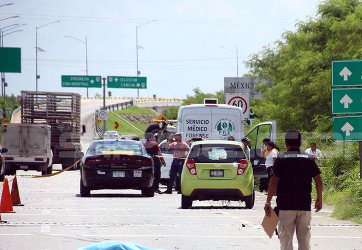 Una persona falleció esta mañana en la carretera Mérida-Campeche, después de que un automóvil lo atropelló, cuando quería cruzar la vía. (Foto: Victoria González/SIPSE)