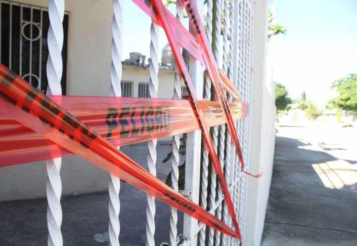 El área fue clausura por los elementos de Protección Civil. (Sergio Orozco/SIPSE)