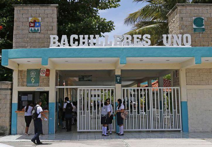 Para estudiar el bachillerato se ofrecen varias opciones. (Jesús Tijerina/SIPSE)