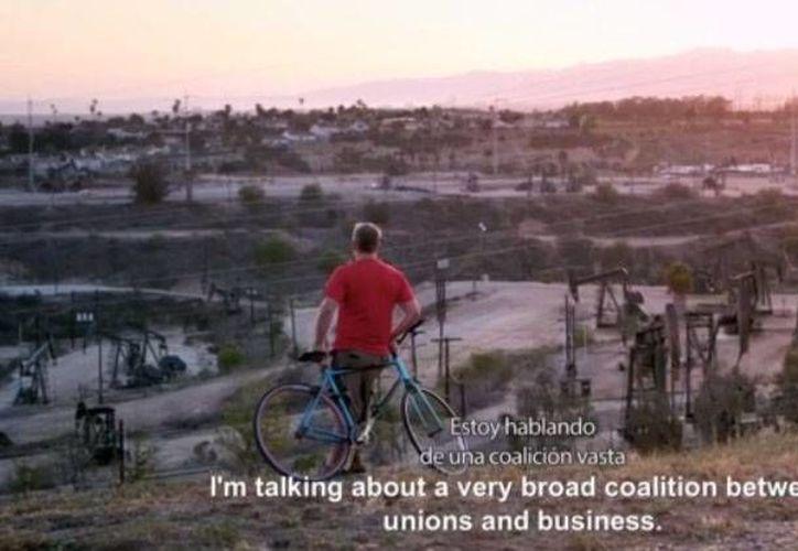 El documental Bicis Vs Carros se proyectará en el Blue Parrot el 28 de octubre; el evento será gratuito. (Captura de Pantalla/Bicis Vs Carros)