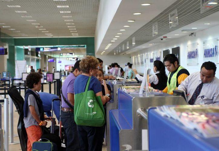 Otra enfermedad pone en alerta a las autoridades aeroportuarias: se trata del enterovirus d68. (SIPSE)