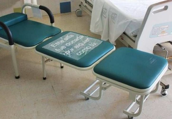 Para los señores y señoras que se muchas veces se quedan a dormir en hospitales, empresarios de Yucatán donaron 66 sillas camas para las áreas de pediatría de dos centros médicos en la capital yucateca. (Fotos cortesía del Gobierno)