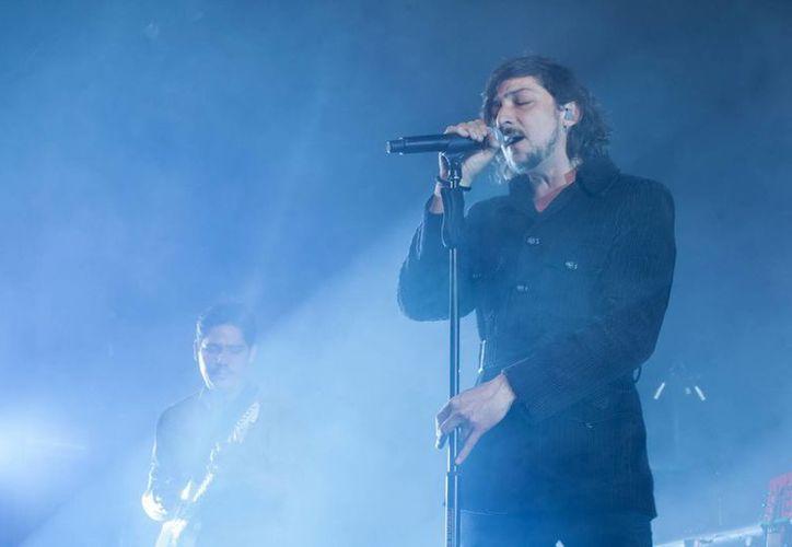 El cantante de Zoé pidió a través de su cuenta la renuncia de Enrique Peña Nieto. (Foto de archivo de Notimex)