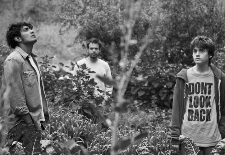 """La cinta """"Güeros"""", que ya fue premiada en el extranjero, se estrena este 2015 en las salas mexicanas. Imagen de la cinta producida por Alonso Ruizpalacios. (Milenio)"""