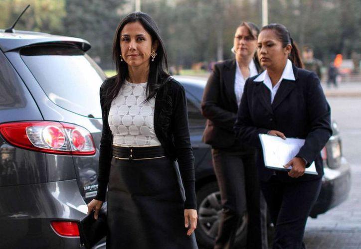 Nadine Heredia, esposa del presidente Humala, ya había sido acusada por lavado de dinero en 2009, pero no habían pruebas suficientes en su contra. (Archivo/AP)