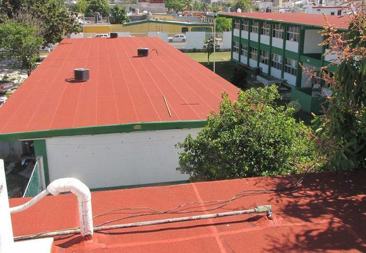 El programa 'Escuelas Dignas 2015' se encargará de las escuelas de nivel básico. (Gerardo Amaro/SIPSE)