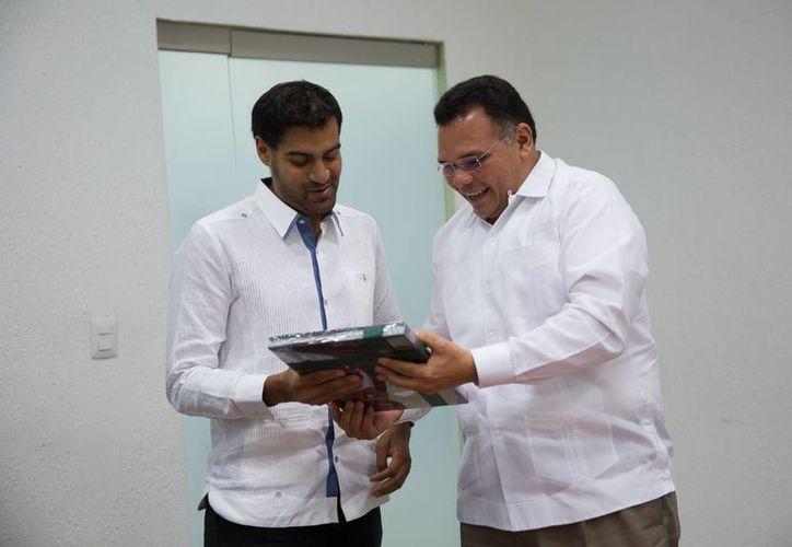 El gobernador Rolando Zapata acudirá hoy a la Firma de convenio entre en Fonhapo y municipios del Programa de Apoyo a la Vivienda 2016. (SIPSE)
