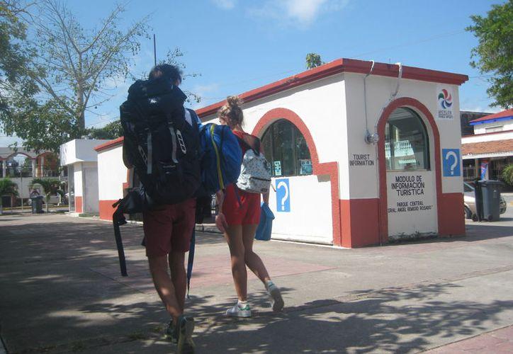 En los últimos tres años se ha triplicado el número de 'mochileros' al igual que las casas de hospedaje informales y hostales. (Javier Ortiz/SIPSE)