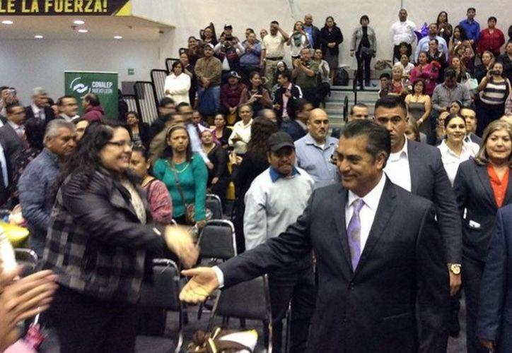 El gobernador de Nuevo León, Jaime Rodríguez Calderón asistió a las graduaciones del Conalep. (Excélsior).
