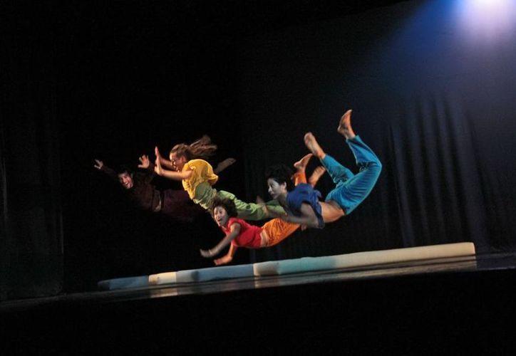 La obra es dirigida por Leandro Kees y cuenta con la participación de  cuatro bailarines. (SIPSE)