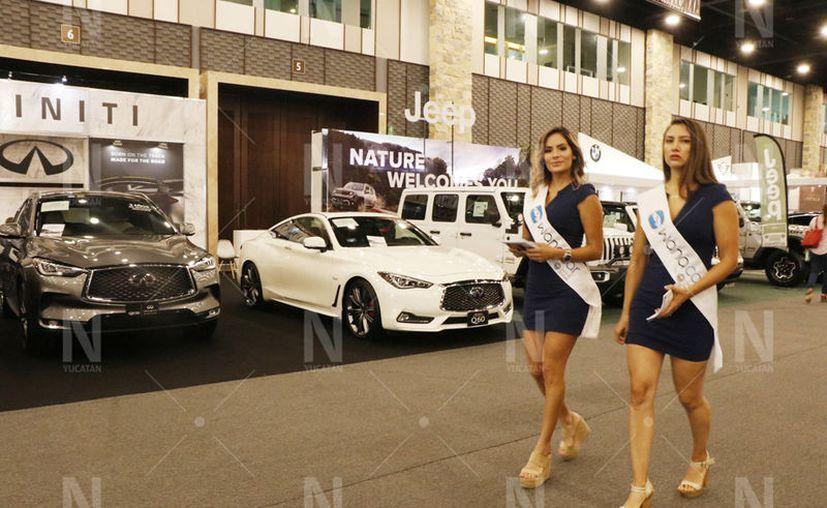 Las empresas de vehículos de lujo tuvieron que replantear sus metas de crecimiento. (José Acosta/Novedades Yucatán)