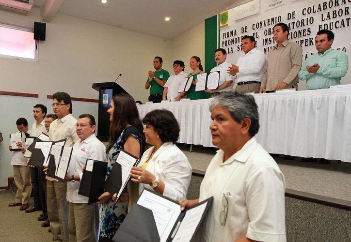 El gobernador Rolando Zapata Bello en la puesta en marcha de una herramienta de vinculación laboral en Progreso. (SIPSE)