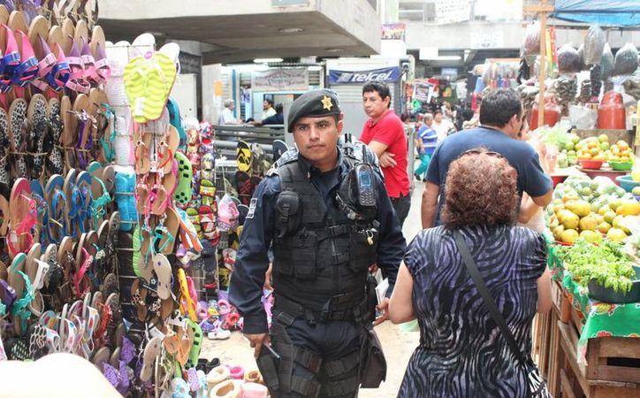 El nuevo operativo de seguridad de la Policía Municipal de Mérida, de fin de año, abarcará vigilancia especial en zonas de bancos y cajeros automáticos, y revisiones en paraderos y mercados. (Foto cortesía)