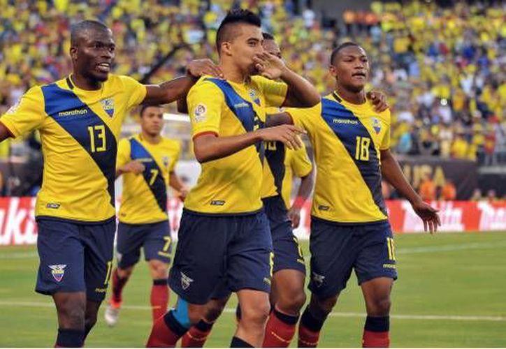 Suspenden a seleccionados de Ecuador por indisciplina. (Jose Argueta/ Mexspor7).