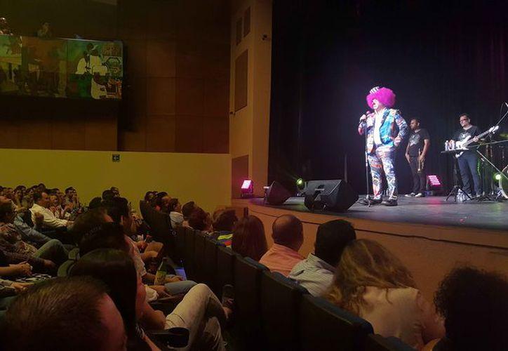 Platanito se presentó en el Teatro de Cancún. (Jocelyn Díaz/SIPSE)