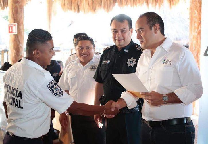 El Ayuntamiento Municipal se encuentra trabajando en coordinación con el gobierno federal para conseguir los recursos que ayuden a mejorar al cuerpo policial. (Redaccción/SIPSE)