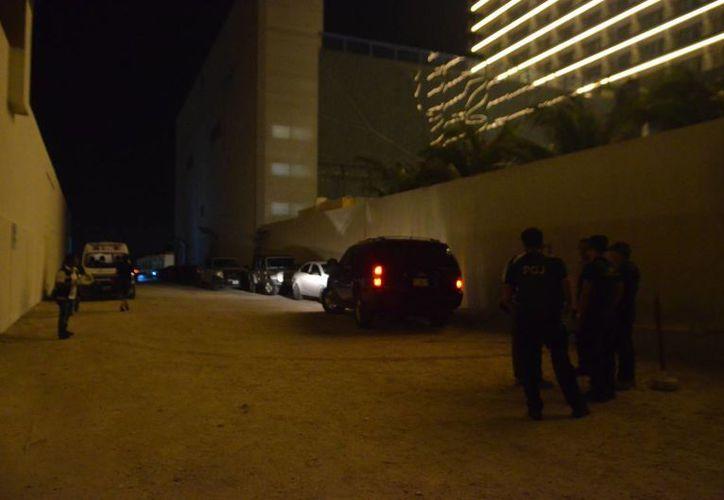 En la zona hotelera la Gendarmería detuvo a tres presuntos vendedores de droga al menudeo. (Redacción/SIPSE)